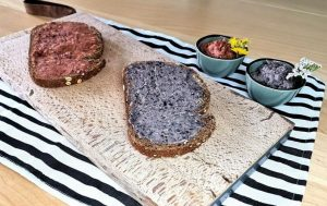 Vegan paté en zwarte bonenspread bij darmklachten